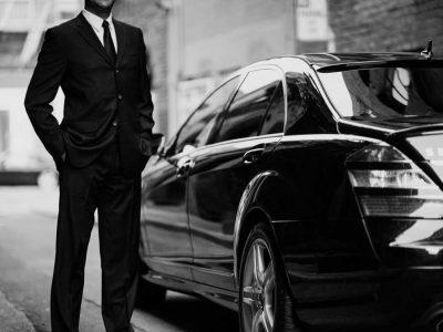 Luxury chauffeur hire while in Dubai
