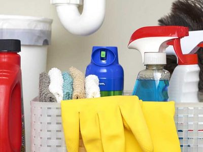 Why you must avoid drain cleaning by yourself by using chemical drain cleaners?