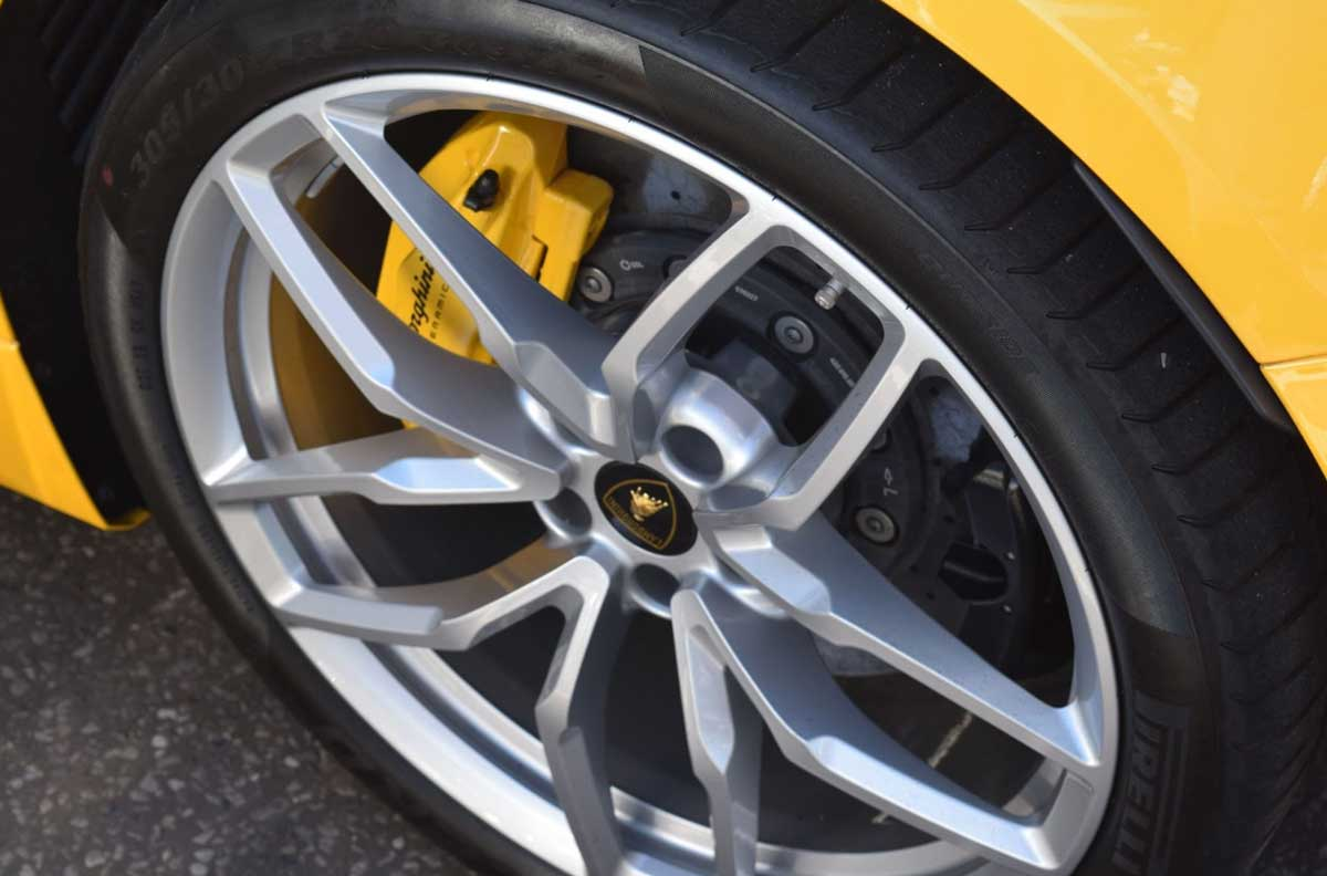 Different types of tire dressing