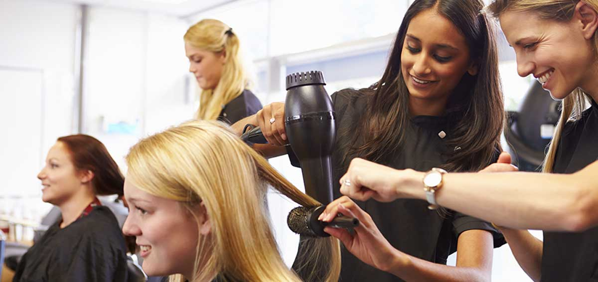 Selecting A Cosmetology School