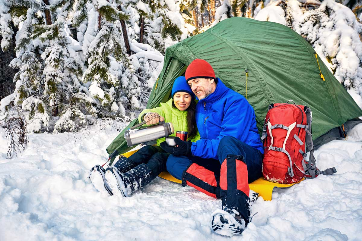 10 Easy Hacks for Winter Camping [With Must-Have 4×4 Gear]